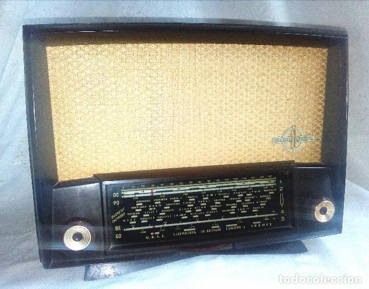 ANTIGUA RADIO DE VÁLVULAS DUCRETET THOMSON - L 724. (Radios, Gramófonos, Grabadoras y Otros - Radios de Válvulas)