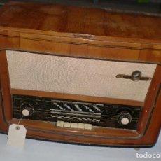 Radios de válvulas: RADIO. EMUD. CAJA DE MADERA. VER FOTOS. Lote 76439839