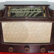 Radios de válvulas: RADIO PHILIPS DE BAQUELITA. Lote 76745155