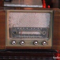 Radios de válvulas: RADIO MARFIL MODELO AN-355, SIN COMPROBAR FUNCIONAMIENTO. COMPLETA. NECESITA LIMPIEZA INTERIOR. . Lote 78156349