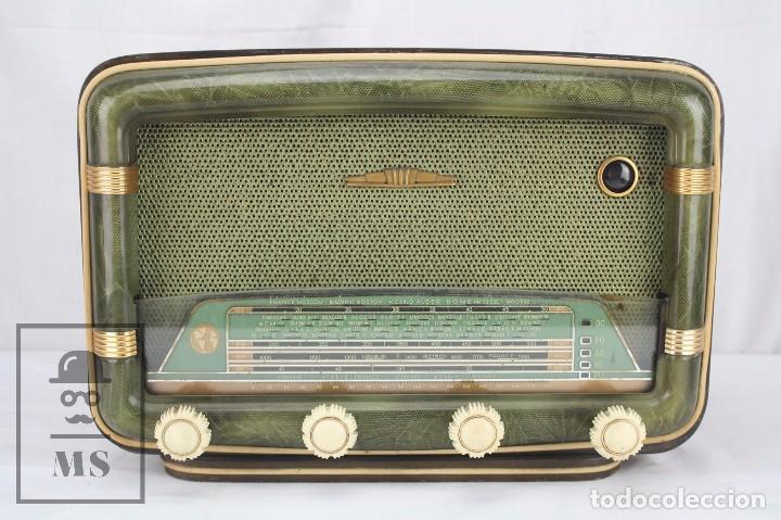 Radios de válvulas: Antigua Radio de Válvulas Francesa - Verde, Dorado y Carcasa de Madera - Años 40-50 - Restauración - Foto 2 - 80987872
