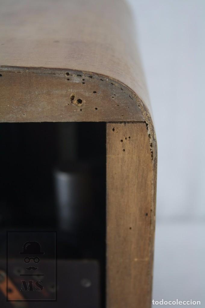 Radios de válvulas: Antigua Radio de Válvulas Francesa - Verde, Dorado y Carcasa de Madera - Años 40-50 - Restauración - Foto 10 - 80987872