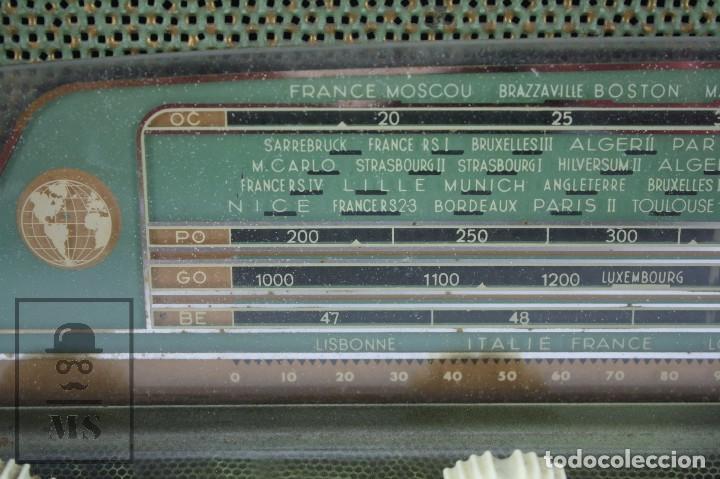 Radios de válvulas: Antigua Radio de Válvulas Francesa - Verde, Dorado y Carcasa de Madera - Años 40-50 - Restauración - Foto 12 - 80987872