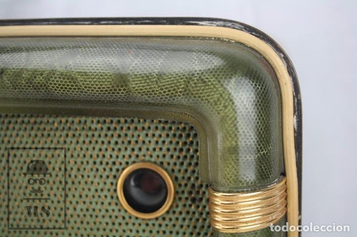 Radios de válvulas: Antigua Radio de Válvulas Francesa - Verde, Dorado y Carcasa de Madera - Años 40-50 - Restauración - Foto 14 - 80987872