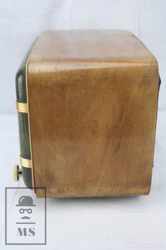 Radios de válvulas: Antigua Radio de Válvulas Francesa - Verde, Dorado y Carcasa de Madera - Años 40-50 - Restauración - Foto 16 - 80987872