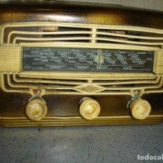 Radios de válvulas: PRECIOSA Y PEQUENA RADIO DE LOS ANOS 30 O 40. Lote 93943943