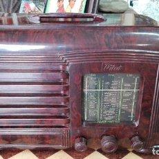 Rádios de válvulas: FUNCIONANDO RADIO EN BAKELITA. INGLESA. MARCA PILOT MODELO MAJOR MAESTRO AÑOS 40. 38 X 23 X 17 CM. Lote 83506548
