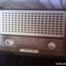 Radios de válvulas: ANTIGUA RADIO PHILIPS DE VALVULAS, BAQUELITA.. Lote 83770800