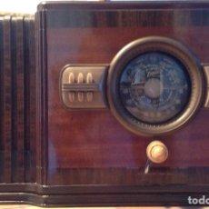 Radios de válvulas: RADIO ZENITH EN MUEBLE DE CAOBA. COLECCIONISTAS. Lote 84604984