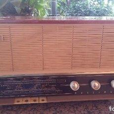 Radios de válvulas: ANTIGUA RADIO PHILIPS, FUNCIONA. Lote 84870548