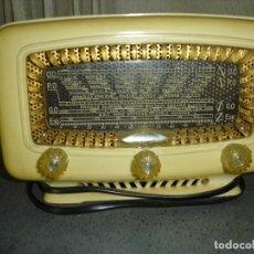 Radios de válvulas: PRECIOSA RADIO MINIATURA A VALVULAS ANOS 40 A 50 ESTA EN MUY BUEN ESTADO NO SE SI FUNCIONA. Lote 93943574