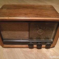 Radios de válvulas: ANTIGUIA RADIO INVICTA MOD. 338 Nº 11606 CON 5 VALVULAS. Lote 87548672