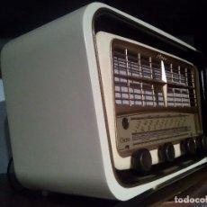 Radios de válvulas: ANTIGUA RADIO FRANCESA CLARSON RESTAURADA. Lote 89695384