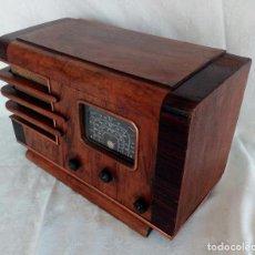 Radios de válvulas: ANTIGUA RADIO DE VÁLVULAS 2161 / 215 D - CAJA DE MADERA.. Lote 105789618