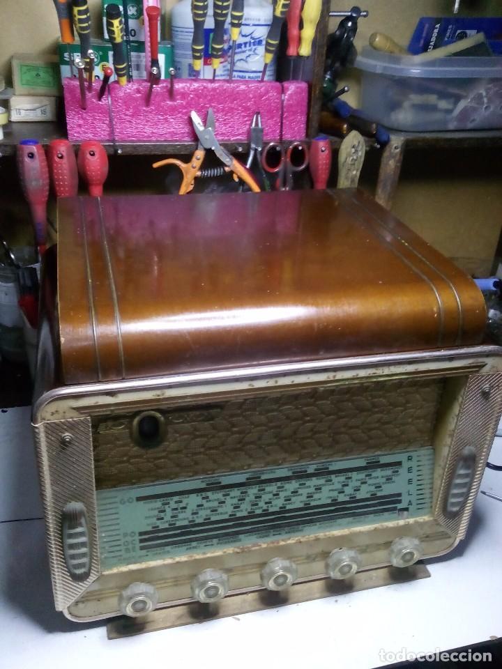 ANTIGUA RADIO/TOCADISCOS FRANCESA REELA (Radios, Gramófonos, Grabadoras y Otros - Radios de Válvulas)