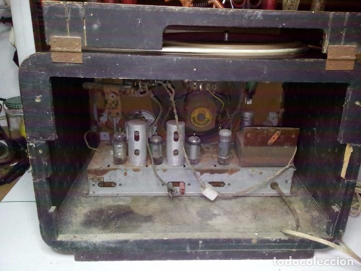Radios de válvulas: Antigua radio/tocadiscos francesa REELA - Foto 6 - 91188950