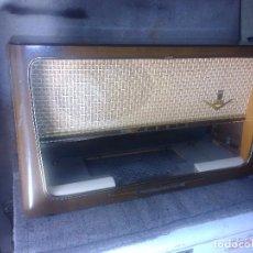 Radios de válvulas: MUEBLE DE RADIO GRUNDIG. Lote 91745790