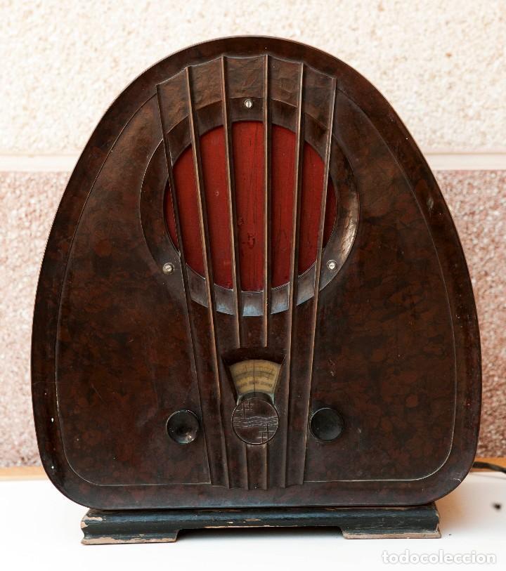Radios de válvulas: ESPECTACULAR RADIO DE VÁLVULAS PHILIPS 834 AS, RADIO CAPILLA, FUNCIONANDO. AÑO 1933 - Foto 2 - 92455190