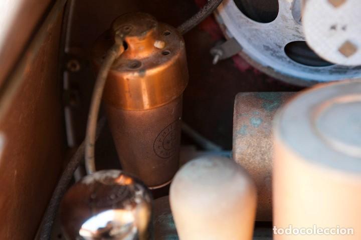 Radios de válvulas: ESPECTACULAR RADIO DE VÁLVULAS PHILIPS 834 AS, RADIO CAPILLA, FUNCIONANDO. AÑO 1933 - Foto 29 - 92455190
