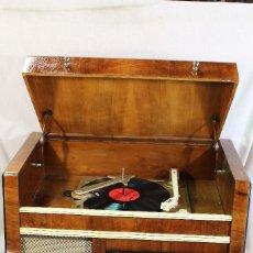 Radios de válvulas: RADIO TOCADISCOS NOVELTY (ATELIERS ADAMS). Lote 95719891
