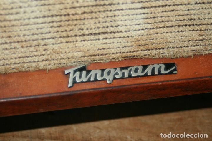 Radios de válvulas: Muy bonita Radio de válvulas Tungsram 4500, no funciona, para decoracion o para reparar - Foto 9 - 116833796