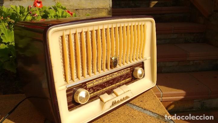 RADIO RECEPTOR MARCA IBERIA (Radios, Gramófonos, Grabadoras y Otros - Radios de Válvulas)