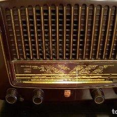 Radios de válvulas: RADIO A VALVULAS PHILIPS BA-321-A DE 1952 FUNCIONANDO. Lote 95658099