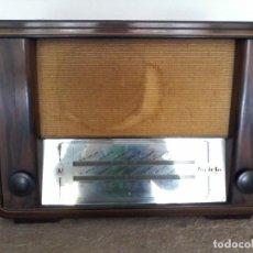 Radios de válvulas: INVICTA RADIO - MODELO 221 - AÑO 1943 - FUNCIONANDO. Lote 131030636