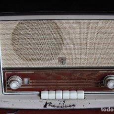 Radios de válvulas: MUY RARA RADIO PHILIPS EN CASTELLANO MODELO B4 E 72 A SINTONIZABA OM OC2 Y OC3, RADIO MUY VINTAGE. Lote 97349535