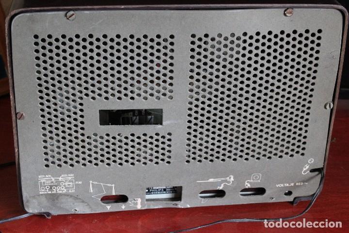 Radios de válvulas: MUY RARA RADIO PHILIPS EN CASTELLANO MODELO B4 E 72 A SINTONIZABA OM OC2 Y OC3, RADIO MUY VINTAGE - Foto 10 - 97349535