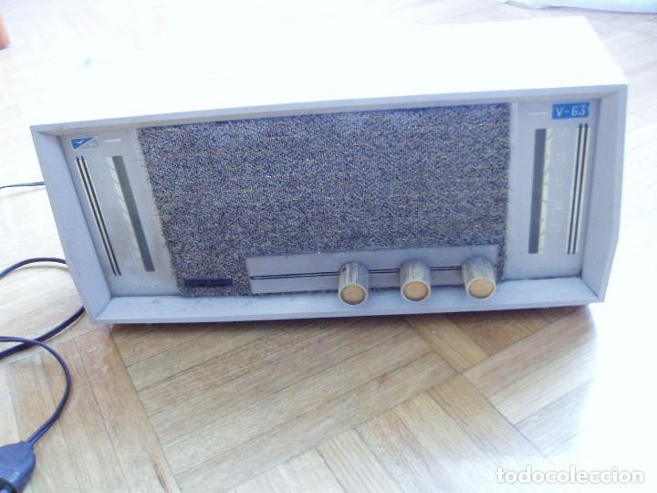 ANTIGUA ( RETRO VINTAGE) RADIO DE VALVULAS . (Radios, Gramófonos, Grabadoras y Otros - Radios de Válvulas)