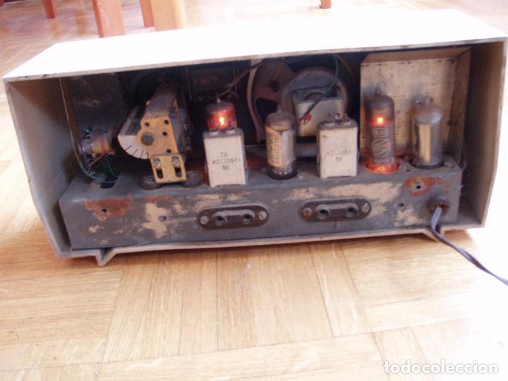 Radios de válvulas: ANTIGUA ( RETRO VINTAGE) RADIO DE VALVULAS . - Foto 9 - 97518555