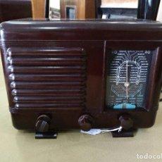 Radios de válvulas: ANTIGUA RADIO EN BAQUELITA FUNCIONANDO PERFECTAMENTE.. Lote 97590271