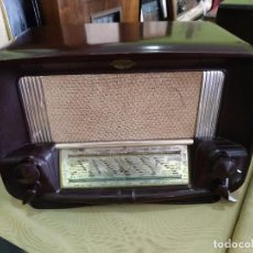 Radios de válvulas: ANTIGUA RADIO EN BAQUELITA FUNCIONANDO PERFECTAMENTE.. Lote 97591115