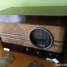 Radios de válvulas: ANTIGUA RADIO DE LAMPARAS EN MADERA DE LA MARCA ONDIA FUNCIONANDO PERFECTAMENTE.. Lote 97593903