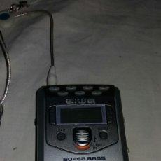 Radios de válvulas: RADIO CON CASQUITOS AIWA SUPER BASS. Lote 98237894