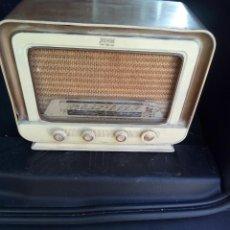 Radios de válvulas: PRECIOSA RADIO DE LAMPARAS ANTIGUA. Lote 98641503