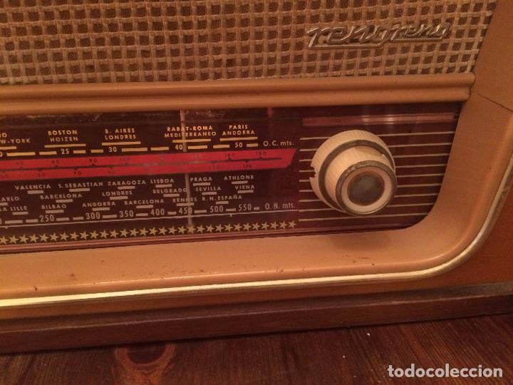 Radios de válvulas: Antigua radio de Valvula marca Rengrena de los años 60 con caja de madera en color claro FUNCIONANDO - Foto 5 - 99870111