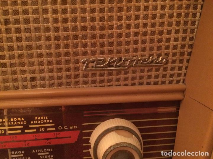 Radios de válvulas: Antigua radio de Valvula marca Rengrena de los años 60 con caja de madera en color claro FUNCIONANDO - Foto 7 - 99870111
