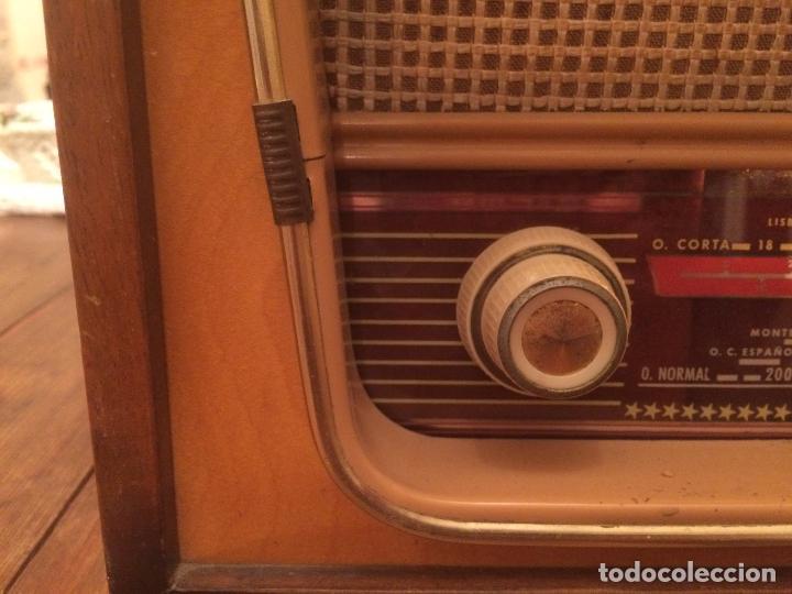 Radios de válvulas: Antigua radio de Valvula marca Rengrena de los años 60 con caja de madera en color claro FUNCIONANDO - Foto 8 - 99870111