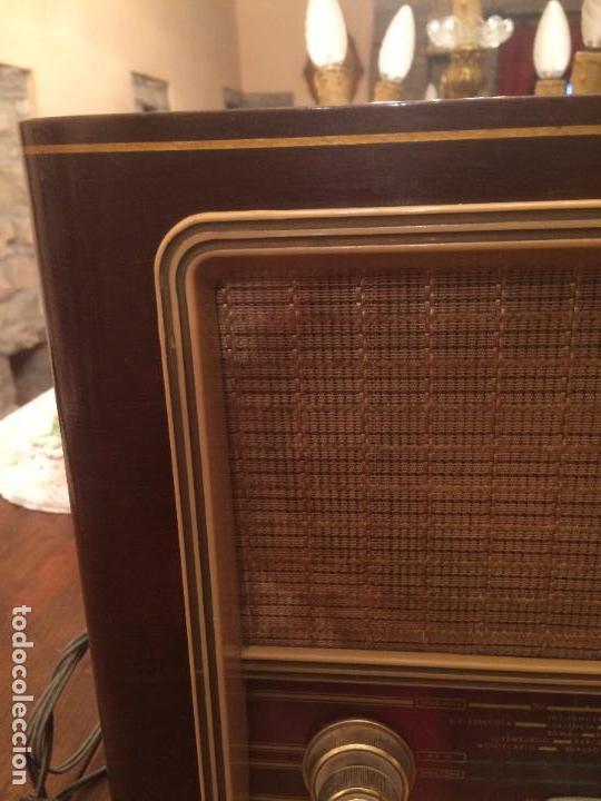 Radios de válvulas: Antigua radio de Valvula marca Askar de los años 50 con caja de madera en color oscuro - Foto 7 - 99870351