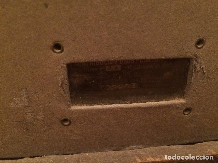 Radios de válvulas: Antigua radio de Valvula marca Askar de los años 50 con caja de madera en color oscuro - Foto 13 - 99870351