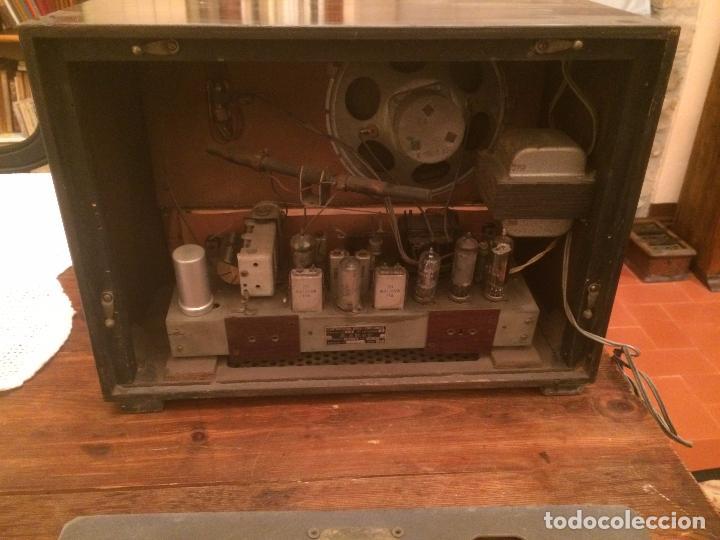 Radios de válvulas: Antigua radio de Valvula marca Askar de los años 50 con caja de madera en color oscuro - Foto 14 - 99870351