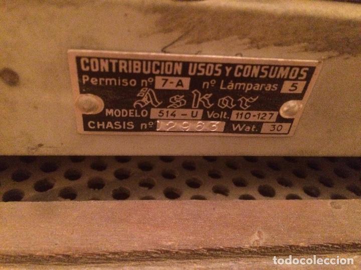 Radios de válvulas: Antigua radio de Valvula marca Askar de los años 50 con caja de madera en color oscuro - Foto 15 - 99870351