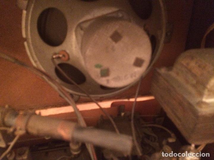 Radios de válvulas: Antigua radio de Valvula marca Askar de los años 50 con caja de madera en color oscuro - Foto 18 - 99870351
