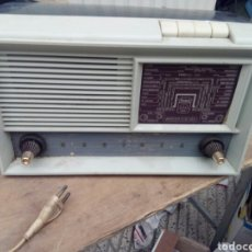 Radios de válvulas: ANTIGUA RADIO DE LAMPARAS RADIOLA. Lote 100524614