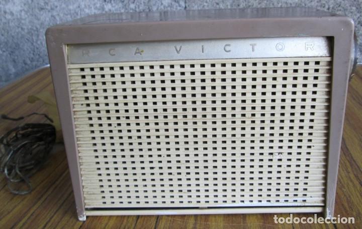 RADIO RCA VICTOR -- DE PLÁSTICO – BAQUELITA (Radios, Gramófonos, Grabadoras y Otros - Radios de Válvulas)