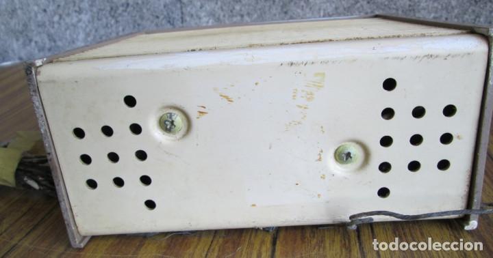 Radios de válvulas: RADIO RCA VICTOR -- De plástico – baquelita - Foto 8 - 100771955