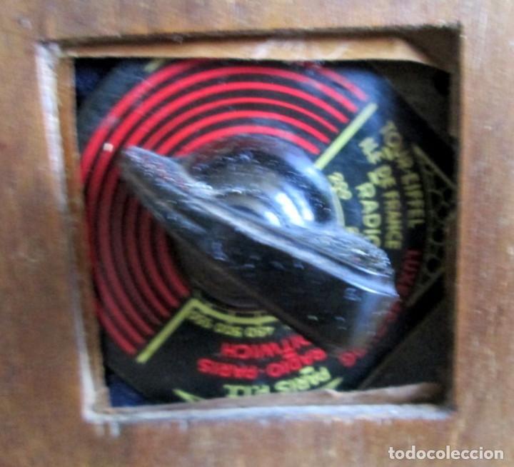 Radios de válvulas: RADIO LANCEL – Paris -- De madera muy pequeña Medidas 20,5 x 16 x 12,5 cm. Válvulas grandes - Foto 2 - 101078431