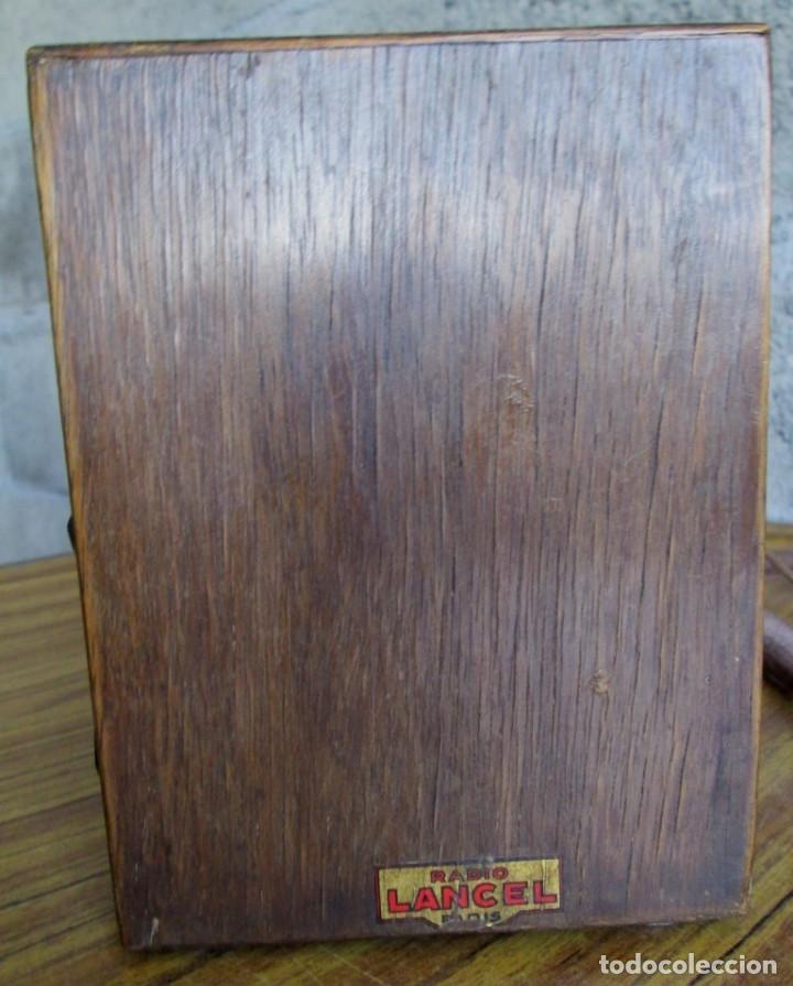Radios de válvulas: RADIO LANCEL – Paris -- De madera muy pequeña Medidas 20,5 x 16 x 12,5 cm. Válvulas grandes - Foto 5 - 101078431